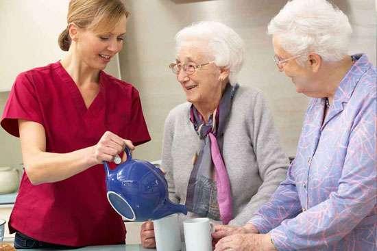 خدمات مراقبت از سالمندان